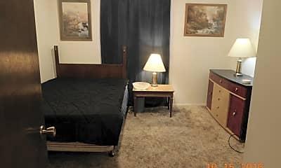 Bedroom, 1810 H St, 1