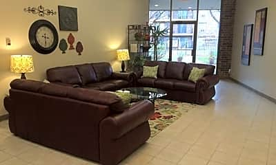 Living Room, 3511 Central Rd, 2