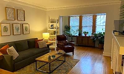 Living Room, 5608 N Kenmore Ave 1, 1