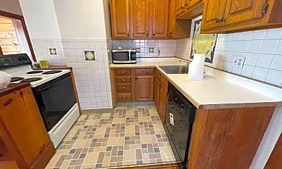 Kitchen, 22 windsor, 2