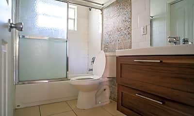 Bathroom, 4905 N Flagler Dr, 2