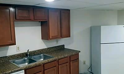 Kitchen, 2457 Maplewood Ave, 0