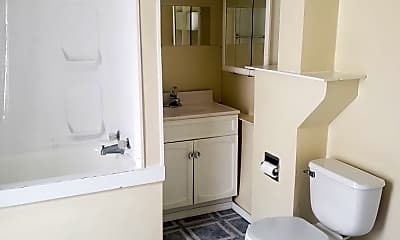 Bathroom, 623 Lincoln St, 1