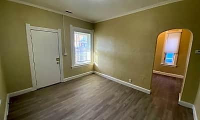Living Room, 2004 Bakewell St, 1