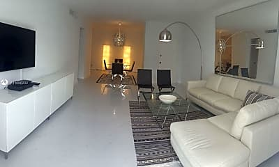 Living Room, 5601 Collins Ave 1115, 1