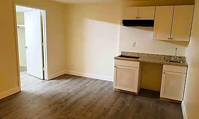 Kitchen, 1505 Hwy 17 N, 1