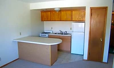 Layton Crest Apartments, 1