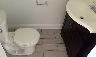 Bathroom, 2724 Berg St, 2
