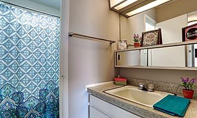 Bathroom, Pelican Pointe Apartments, 2