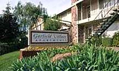 Garfield Village, 2