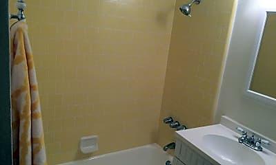 Bathroom, 130 Gull St, 2