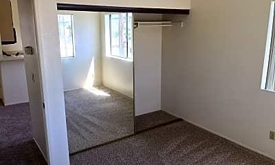 Living Room, 3928 Illinois St, 2