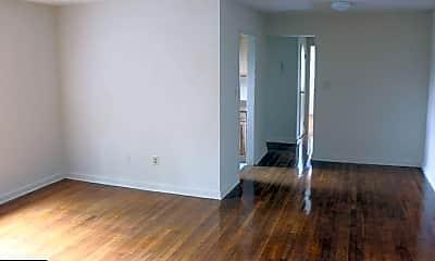 Bedroom, 2001 N Daniel St 104, 1
