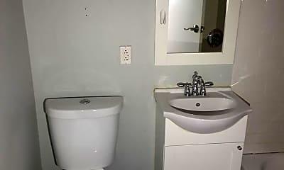 Bathroom, 623 N 32nd St, 2