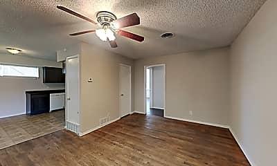 Building, 2333 Lockhart Ave, 1