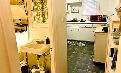 Bathroom, 420 Vine St, 2