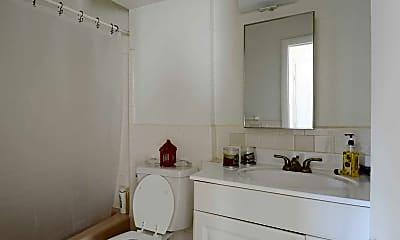 Bathroom, Mansion House Apartments East Providence, 2