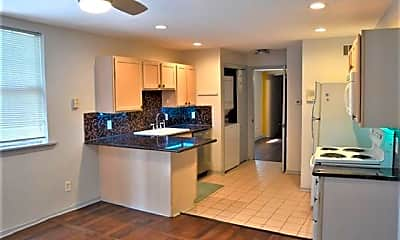 Kitchen, 931 Kerlerec St D, 1