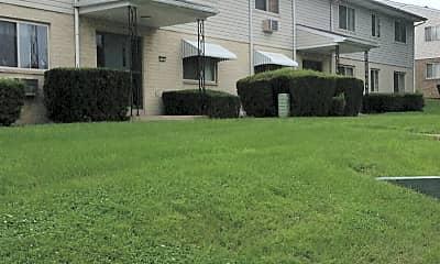 East Ridge Apartments, 0