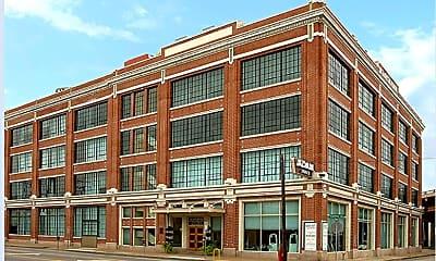 Building, 2700 Canton St, 1