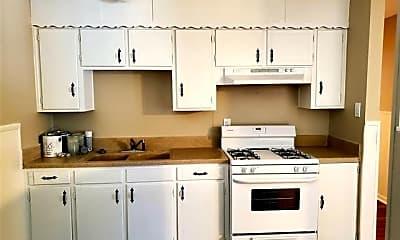 Kitchen, 605 Pershing Dr, 2