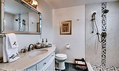 Bathroom, 1806 E Don Carlos, 2