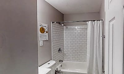 Bathroom, Room for Rent - Forest Park Home 6 minutes to bus, 0