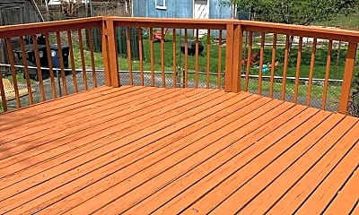 Patio / Deck, 1962 Tonawanda Ave, 1