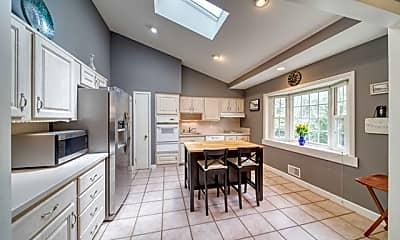 Kitchen, 225 Doxey Dr, 1