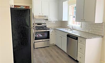 Kitchen, 1451 Pinecrest Avenue, 2