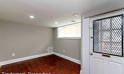 Bedroom, 108 W Saratoga St, 1