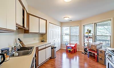 Kitchen, 44 Willow Pkwy, 1