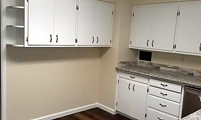 Kitchen, 727 SW Drumwood Ave, 2