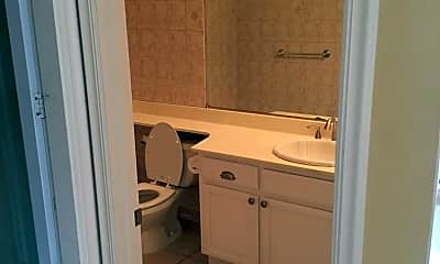 Bathroom, 152 Chesapeake Dr, 2