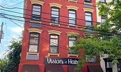 Building, 333 Adams St 5, 2