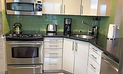 Kitchen, 467 Golden Isles Dr 310, 0