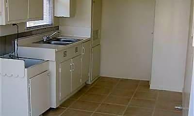 Kitchen, 1011 Snyder Ln, 1