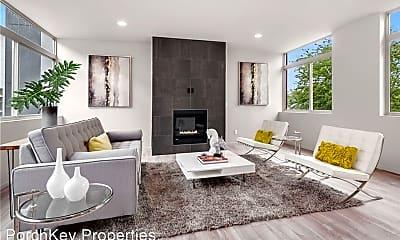 Living Room, 2812 E Union St, 1