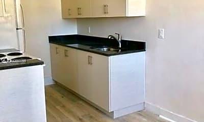 Kitchen, 1319 Meridian Ave, 2