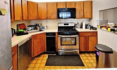 Kitchen, 6 Chamberlin Ct, 1