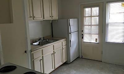 Kitchen, 4810 N Santa Monica Blvd, 0