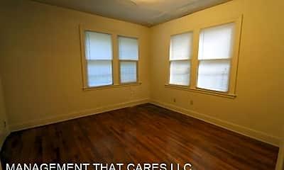 Bedroom, 90 N Belvedere Blvd, 2