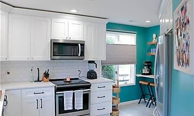 Kitchen, 94 Nipmuc Trail, 1