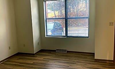 Living Room, 920 Stewart St, 2