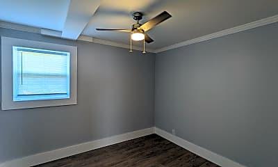 Bedroom, 2227 N Main Ave, 2