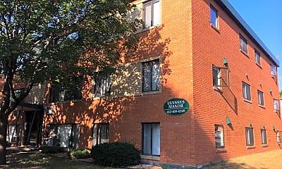 Ulysses Manor, 0