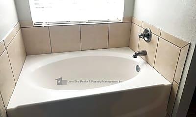 Bathroom, 2904 Phoenix Dr, 2