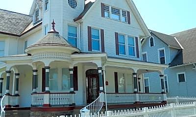 Building, 53 Wilson Avenue, 0
