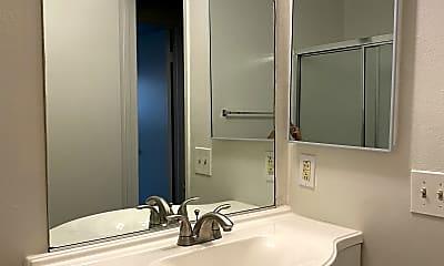 Bathroom, 5075 Atlantic Ave, 2
