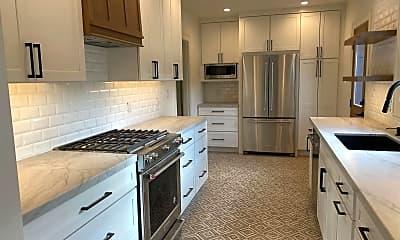 Kitchen, 4746 E Mountain View Dr, 1